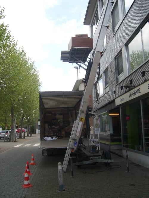 den-heistsen-hamer-ladderlift-huren-inboedel-leegmaken-verhuizen-01