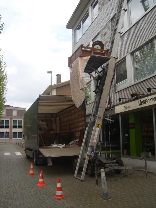 den-heistsen-hamer-ladderlift-huren-inboedel-leegmaken-verhuizen-03
